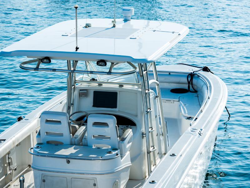 Silnik do łodzi lub jachtu